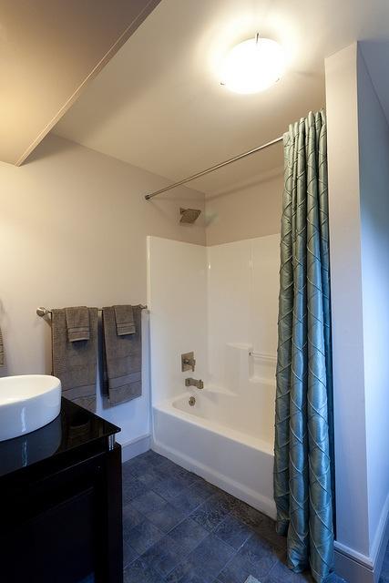 Old Dominion bathroom