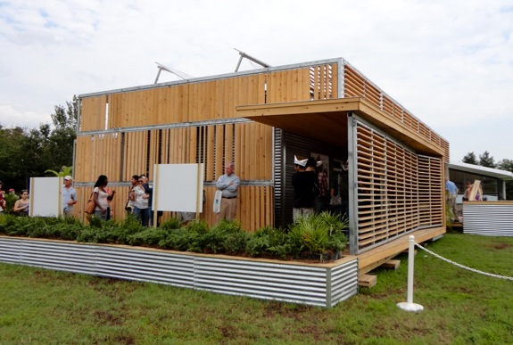 The flex house team florida solar decathlon house for Moderni piani solari passivi
