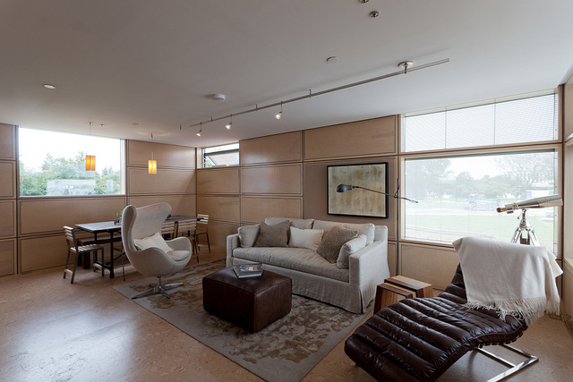 The living room space was airy and inviting.