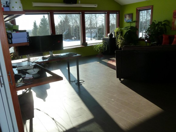 Family Room Windows – Lookout Deep the Sun Radiates into the Space